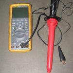 Digitalni multimetar FLUKE 289 True RMS Multimeter sa sondom za mjerenje visokog napona FLUKE 80K-40 HV Probe